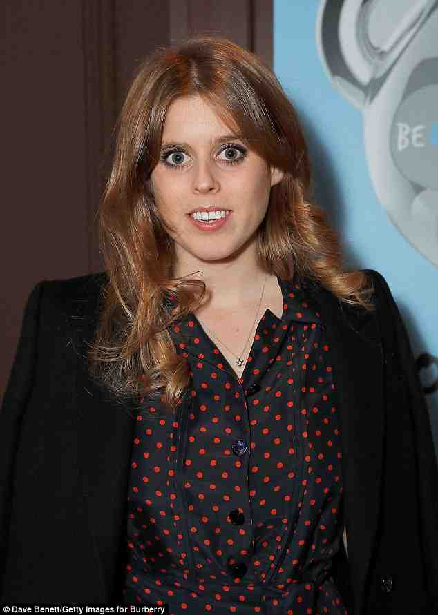 beatrice, attends, burberry, event